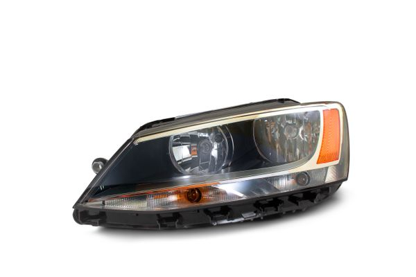 New Replacement Headlight for Volkswagen Jetta Driver Side 2011–2016 VW2502146